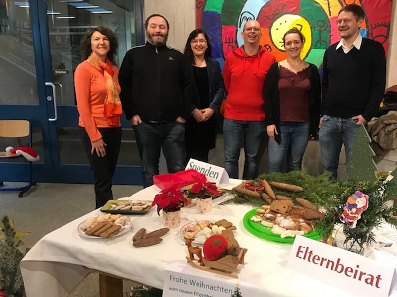 EB und sein Weihnachtstisch beim Weihnachtsfest