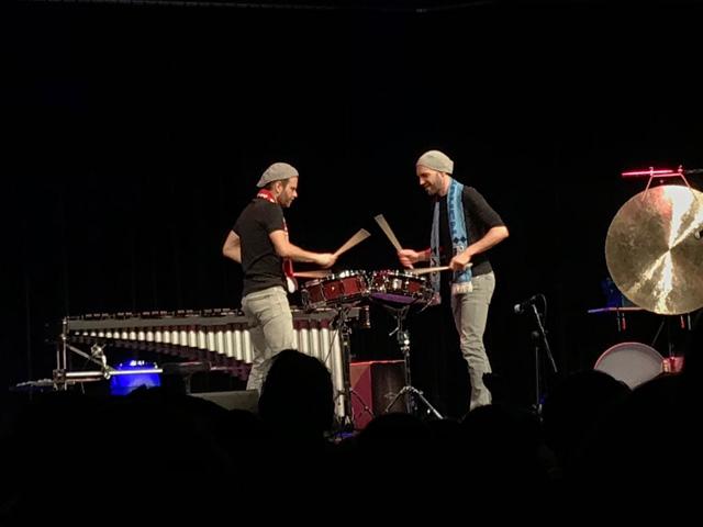 "Frau Streidl engagierte die Band ""double drums""."